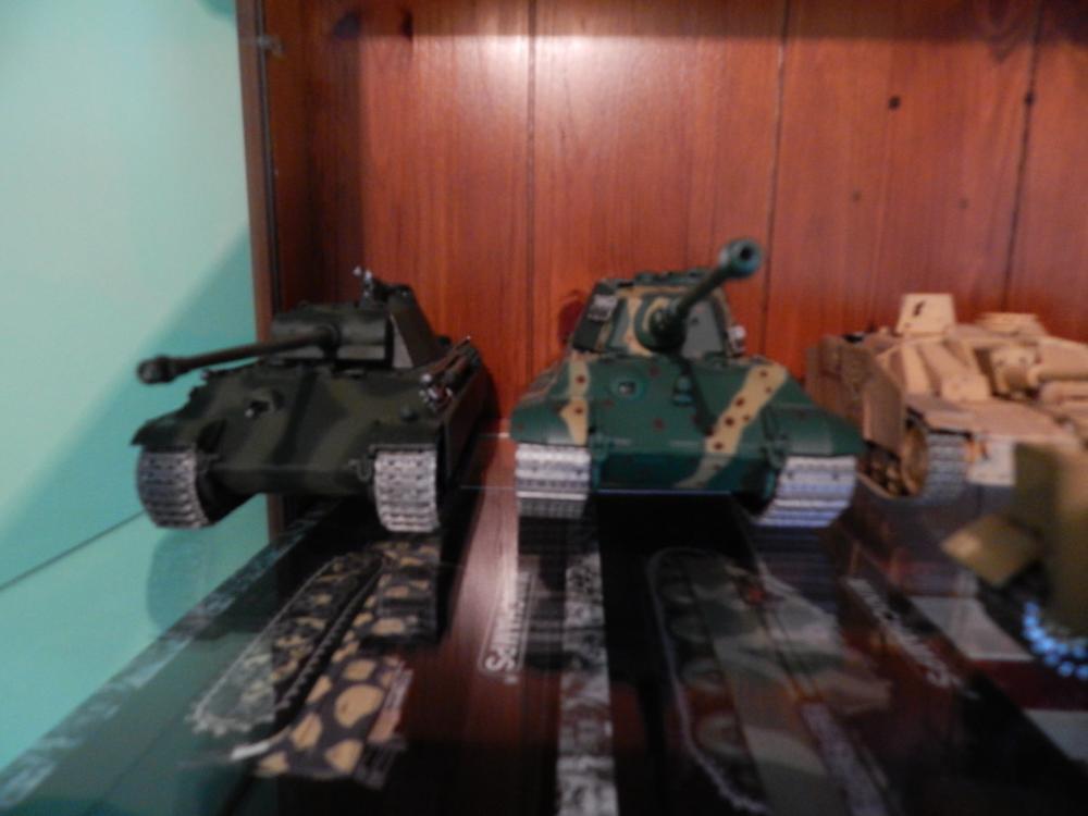 tanks 002.JPG